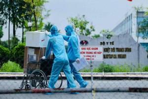 Hà Nội thêm 12 ca Covid-19 mới: Có 3 nhân viên y tế Bệnh viện Bệnh Nhiệt đới Trung ương