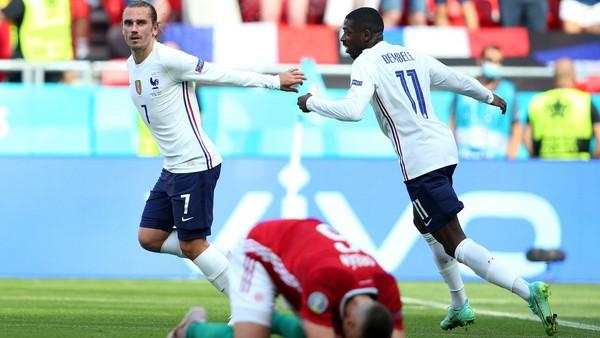 Chơi như mất hồn, Pháp may mắn thoát thua Hungary