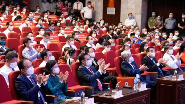 Hà Nội kêu gọi người dân chung tay để sớm tiêm vaccine, đẩy lùi Covid-19