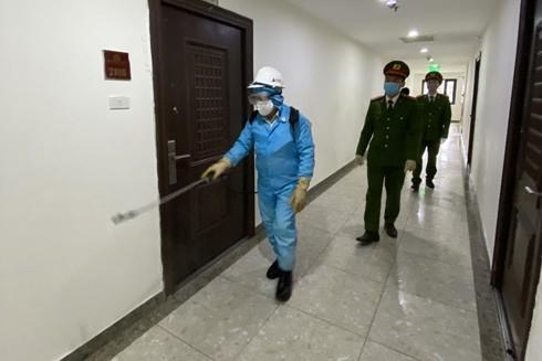 CAP Hoàng Liệt (Hoàng Mai, Hà Nội) phối hợp cùng lực lượng chức năng triển khai các biện pháp phòng ngừa dịch bệnh Covid-19 tại các chung cư trên địa bàn