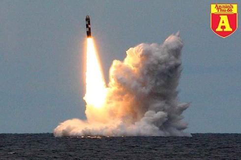 """[ĐỒ HỌA] Tàu ngầm hạt nhân Nga mang """"kẻ hủy diệt"""" Bulava đi vào trực chiến ảnh 1"""