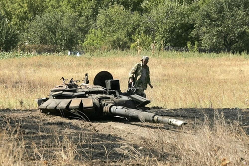 [ĐỒ HỌA] Bí ẩn loại xe tăng cực mạnh phe ly khai Ukraine được viện trợ ảnh 2