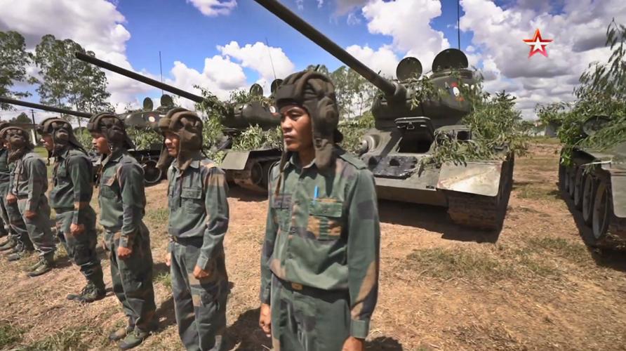 """[ĐỒ HỌA] Quá bất ngờ khi Lào còn biên chế """"lão tướng"""" T-34 ở đơn vị xung kích ảnh 1"""