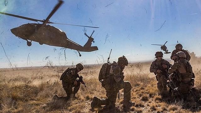 """[ẢNH] """"Diều hâu đen"""" UH-60A Mỹ nghỉ hưu, tạm biệt một huyền thoại ảnh 5"""