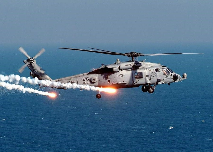 """[ẢNH] """"Diều hâu đen"""" UH-60A Mỹ nghỉ hưu, tạm biệt một huyền thoại ảnh 7"""