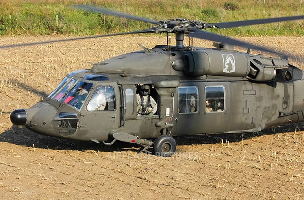 """[ẢNH] """"Diều hâu đen"""" UH-60A Mỹ nghỉ hưu, tạm biệt một huyền thoại ảnh 15"""