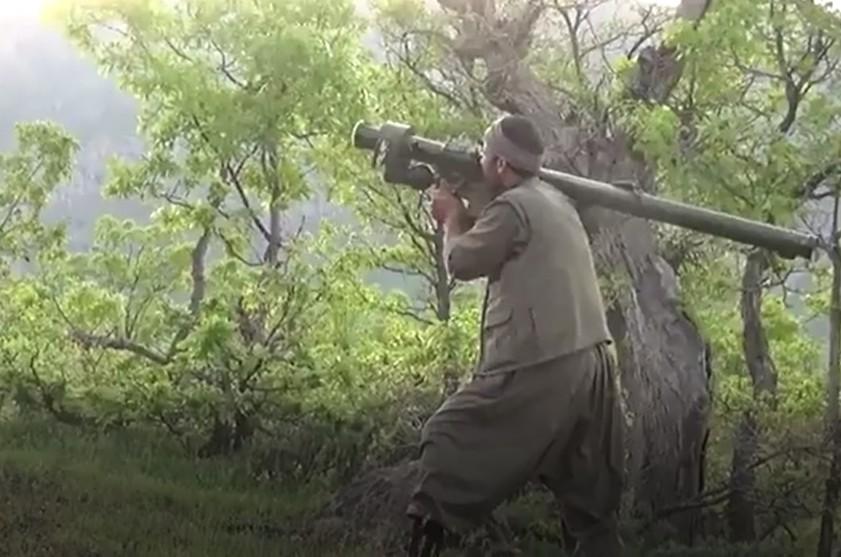 """[Info] """"Siêu rắn hổ mang"""" AH-1 Thổ Nhĩ Kỳ bị dân quân người Kurd dùng tên lửa Nga bắn cháy ảnh 1"""