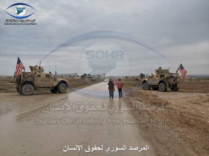 """[Info] """"Hậu duệ"""" Humvee Mỹ ngang nhiên chặn """"hổ thép"""" BTR-82 Nga tại Syria ảnh 3"""