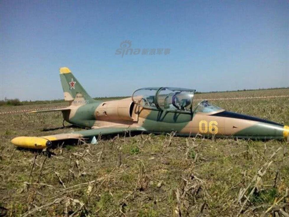 [Info] Máy bay L-39 Nga lao xuống đất, phi công tử nạn ảnh 1