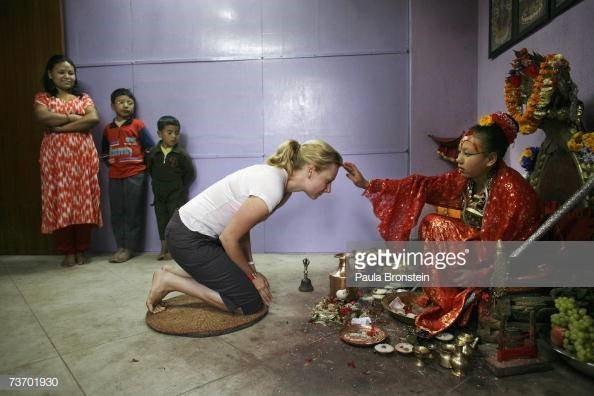 Kumari tại Nepal (2): Nữ thần hoàn tục ra sao? ảnh 4