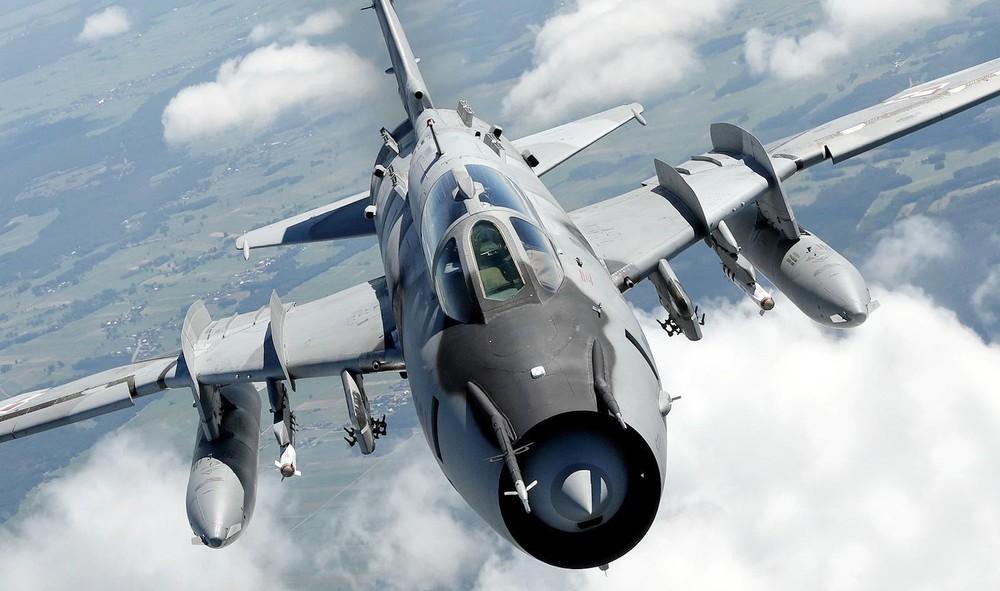"""[Info] """"Đôi cánh ma thuật"""" Su-17/22 chính là chiến đấu cơ một đông cơ cuối cùng của Nga ảnh 2"""