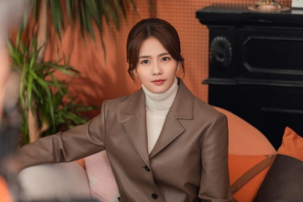Nhan sắc thuần khiết của nữ cường nhân màn ảnh Hoa ngữ - Bạch Lộc