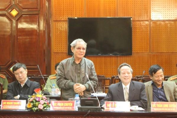 Đồng chí Phạm Chuyên, nguyên Giám đốc CATP phát biểu tham góp ý kiến tại hội nghị