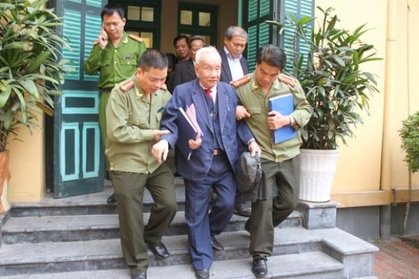 CATP Hà Nội luôn nhận được sự quan tâm đóng góp ý kiến của các đồng chí lãnh đạo CATP qua các thời kỳ về công tác công an