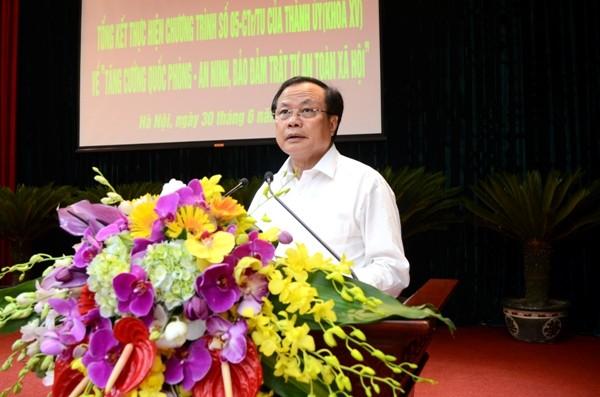 Ủy viên Bộ Chính trị, Bí thư Thành ủy Phạm Quang Nghị phát biểu chỉ đạo hội nghị