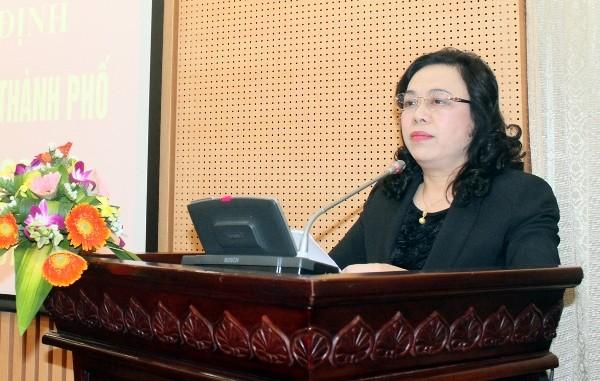 Ủy viên Trung ương Đảng, Phó Bí thư Thường trực Thành ủy Ngô Thị Thanh Hằng đánh giá cao những thành tích, cống hiến của Thiếu tướng Đoàn Duy Khương trong lực lượng CAND