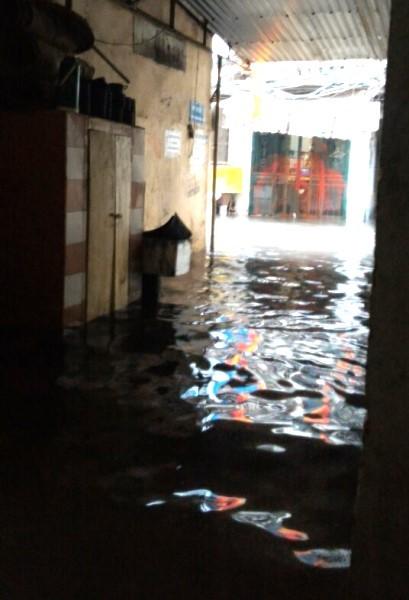 Khu H Tân Mai sau một cơn mưa dai... ảnh 3