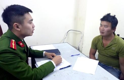 """CAQ Đống Đa đấu tranh với đối tượng bắt cóc """"con tin"""" tại Bệnh viện Bạch Mai"""