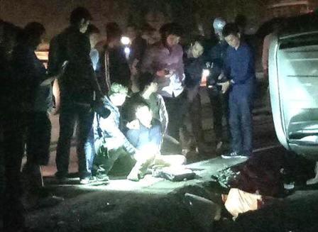 Lực lượng chức năng vây bắt nghi phạm vận chuyển 100 bánh heroin trên Quốc lộ 6 vào tối 18-3