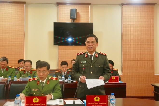 Thiếu tướng Đoàn Duy Khương, Giám đốc CATP Hà Nội báo cáo tình hình, kết quả công tác năm 2017 của CATP Hà Nội