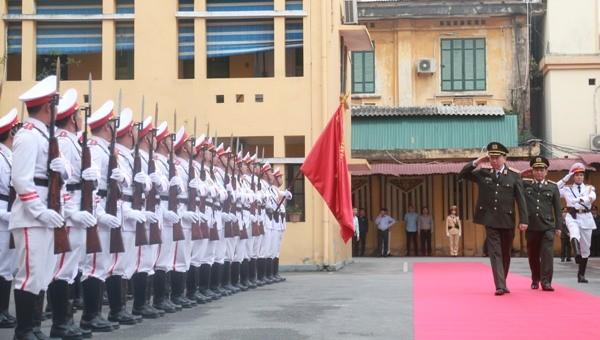 Bộ trưởng Bộ Công an Tô Lâm duyệt đội danh dự Công an Hà Nội