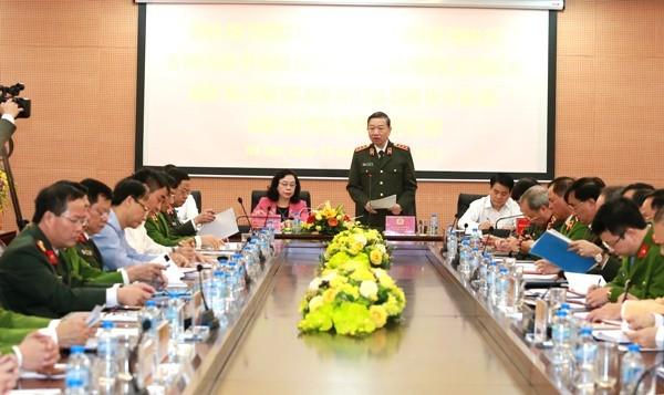 Bộ trưởng Tô Lâm phát biểu chỉ đạo tại buổi kiểm tra tình hình công tác năm 2017 của Công an và Cảnh sát PCCC thành phố Hà Nội