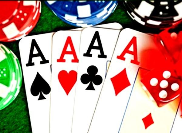 Bộ bài tú lơ khơ là phương tiện các đối tượng sử dụng đánh bạc dưới hình thức 3 cây