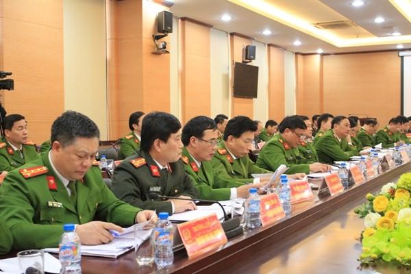Các đại biểu dự hội nghị tập trung quán triệt tinh thần chỉ đạo của Giám đốc CATP Hà Nội