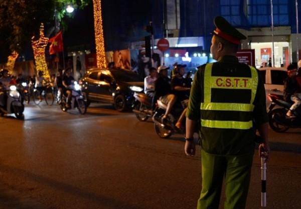 Công an Hà Nội ứng trực đảm bảo ANTT sau trận đấu bóng đá giữa tuyển Việt Nam và tuyển Philippines