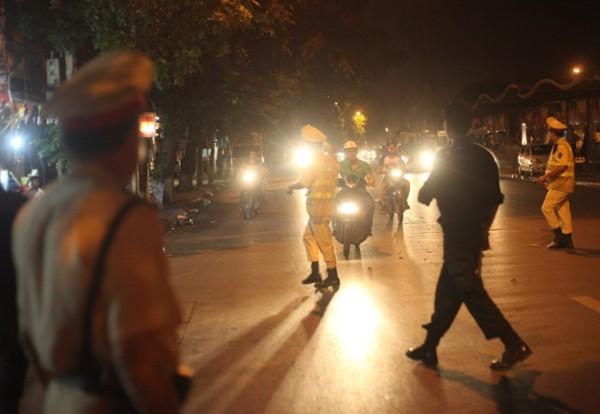 Các lực lượng CSGT và CSCĐ - CATP Hà Nội tập trung phát hiện, xử lý nghiêm các vi phạm về TTATGT, TTCC trên địa bàn Thủ đô