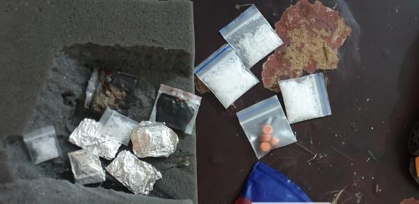 Tang vật thu được trong xe taxi Hùng thuê để vận chuyển ma túy