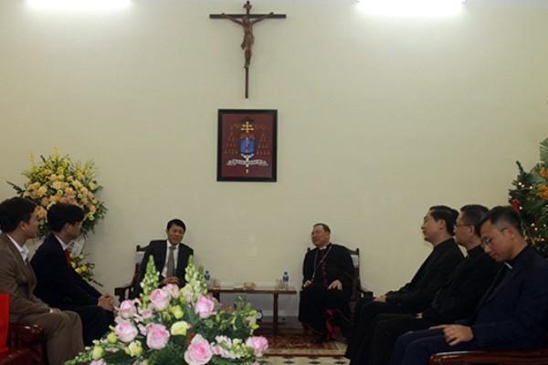 Tổng Giám mục Vũ Văn Thiên tiếp Thứ trưởng Bộ Công an Lương Tam Quang thăm, chúc mừng nhân mùa Giáng sinh 2019