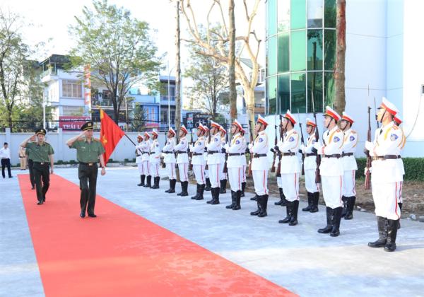 Đại tướng Tô Lâm, Ủy viên Bộ Chính trị, Bộ trưởng Bộ Công an duyệt Đội danh dự Công an tỉnh Đồng Nai