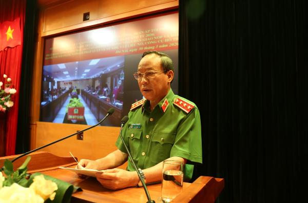 Thứ trưởng Lê Quý Vương quán triệt việc triển khai thực hiện Kế hoạch 105/KH-BCA-C06 ngày 13/3/2020 của Bộ Công an về tổng kiểm tra, mở cao điểm vận động toàn dân giao nộp và đấu tranh với tội phạm, vi phạm pháp luật về vũ khí, vật liệu nổ, công cụ hỗ trợ