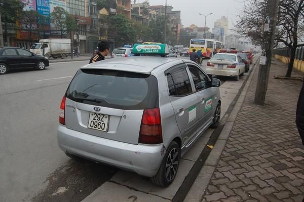 """Lái xe taxi trên không nghĩ vi phạm của mình lại bị CSGT phát hiện qua hệ thống camera phạt """"nguội"""""""