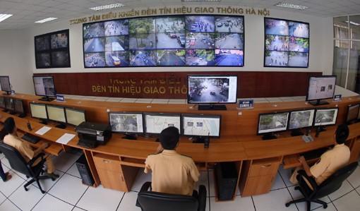 Tình hình giao thông cũng như những phương tiện vi phạm đều được CSGT giám sát 24/24h tại Trung tâm