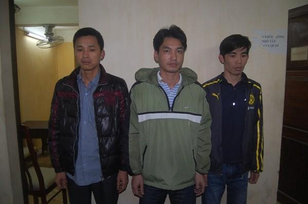 Ba đối tượng Hiệp, Tùng và Quang bị CAQ Hoàn Kiếm bắt khẩn cấp