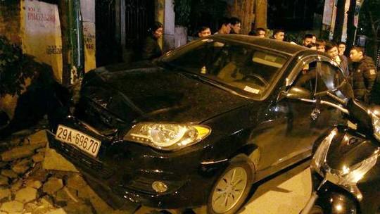 Đâm liên hoàn, lái xe bỏ chạy tiếp tục gây tai nạn