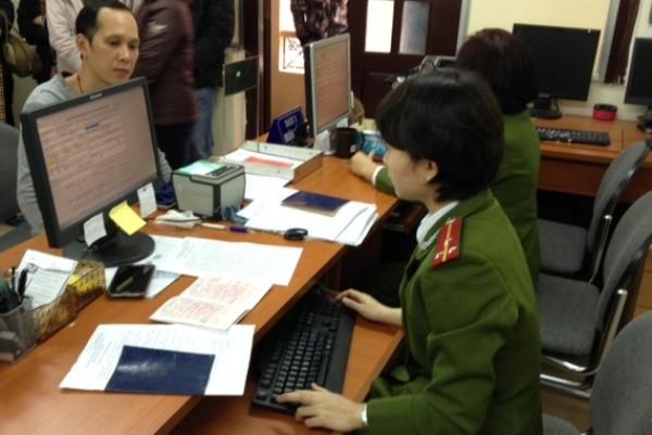 CBCS nhập các thông tin cần thiết vào hệ thống trước khi in giấy hẹn trả kết quả cho công dân