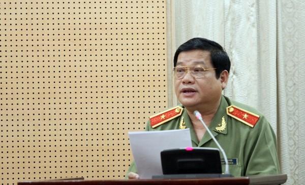 Thiếu tướng Lưu Quang Hợi, Phó Bí thư Đảng ủy, Phó Giám đốc CATP Hà Nội báo cáo kết quả công tác Đảng của CATP