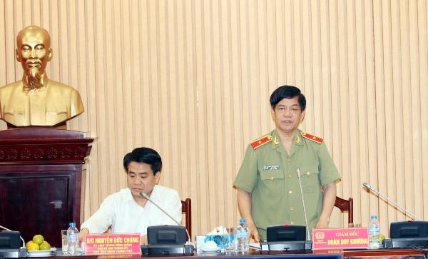 Thiếu tướng Đoàn Duy Khương, Giám đốc CATP Hà Nội tiếp thu những ý kiến chỉ đạo của Chủ tịch UBND TP Hà Nội để bổ sung vào chương trình, kế hoạch công tác của CATP, thực hiện thắng lợi các yêu cầu, nhiệm vụ được giao