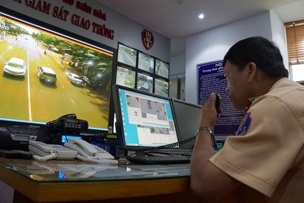 Lực lượng CSGT cũng sẽ sử dụng camera giám sát, xử phạt vi phạm để phát hiện xe buýt nhái trên địa bàn thành phố