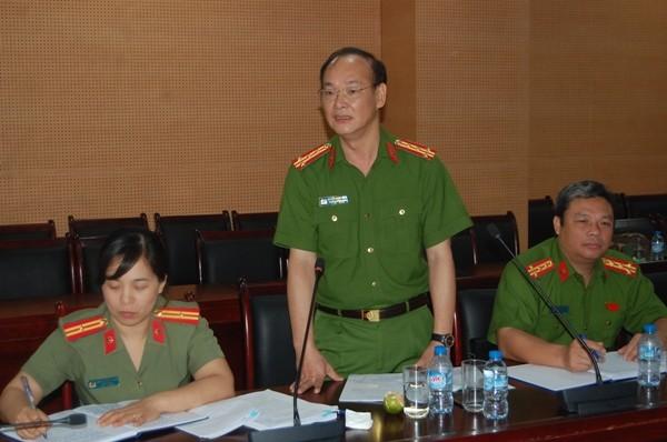 Các thành viên trong Hội đồng lý luận CATP Hà Nội tham gia đóng góp ý kiến