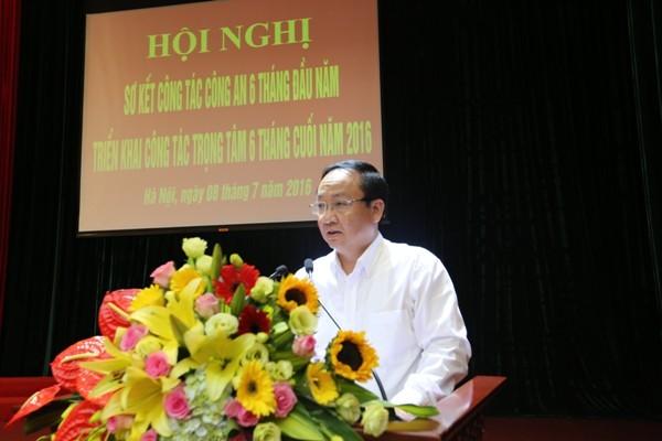 Đồng chí Nguyễn Thế Hùng, Phó Chủ tịch UBND TP Hà Nội phát biểu chỉ đạo tại Hội nghị