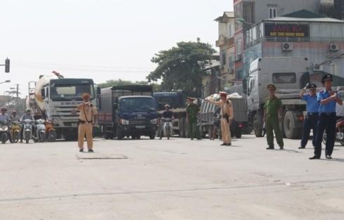 Lực lượng CSGT và các đơn vị chức năng được tăng cường phân luồng chống ùn tắc