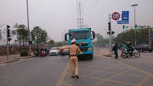 Tổng kiểm tra, xử phạt phương tiện vi phạm làn đường xe buýt BRT ảnh 4