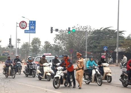 Tổng kiểm tra, xử phạt phương tiện vi phạm làn đường xe buýt BRT ảnh 3