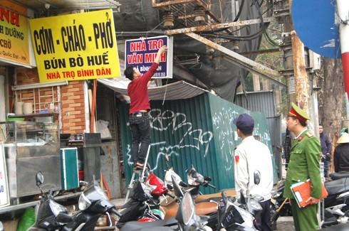Quận Hoàn Kiếm, Hà Nội: Lấy lại vỉa hè cho người đi bộ ảnh 2