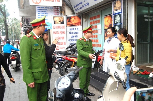 Quận Hoàn Kiếm, Hà Nội: Lấy lại vỉa hè cho người đi bộ ảnh 3