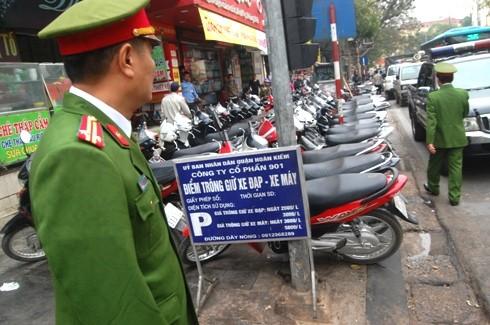 Quận Hoàn Kiếm, Hà Nội: Lấy lại vỉa hè cho người đi bộ ảnh 4